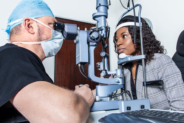 sandtoneyeclinic-technology-measuring